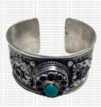 Assorted stone bracelet